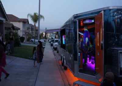 New-Age-Gaming-Game-Truck-Exterior-2